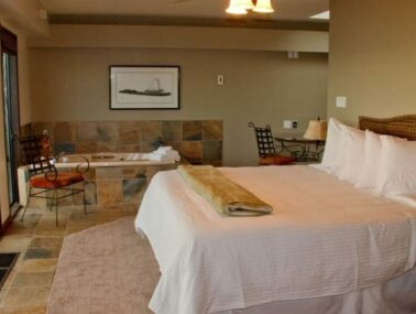 Suites, Four Winds Beach House & Spa
